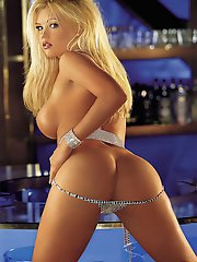 Playmate of the Month November 2000 - Buffy Tyler�